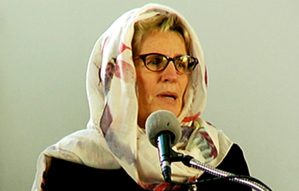 Ontario Premier Kathleen Wynne at mosque. (Photo: CBC)